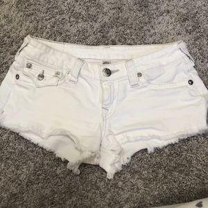 Women's white True Religion cut off shorts